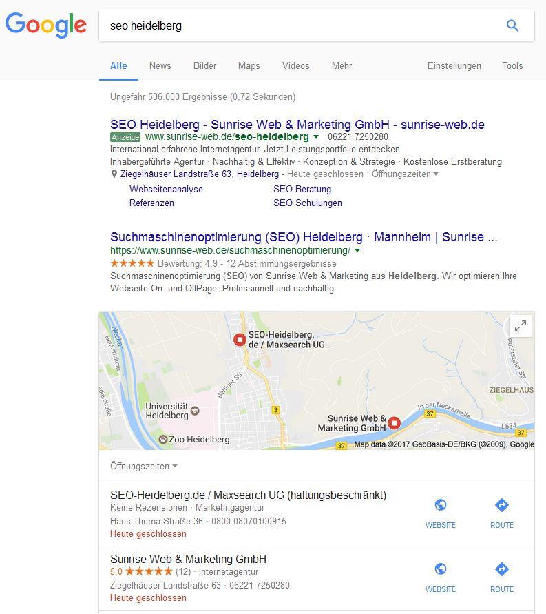 Google Suchergebnisseite mit bezahlten und organischen Snippets